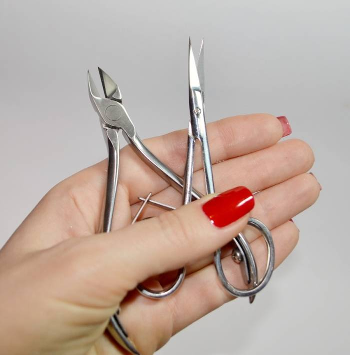 manicure-scissors-or-clippers-staleks[1]