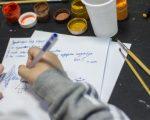 Дети пишут письма деду Морозу